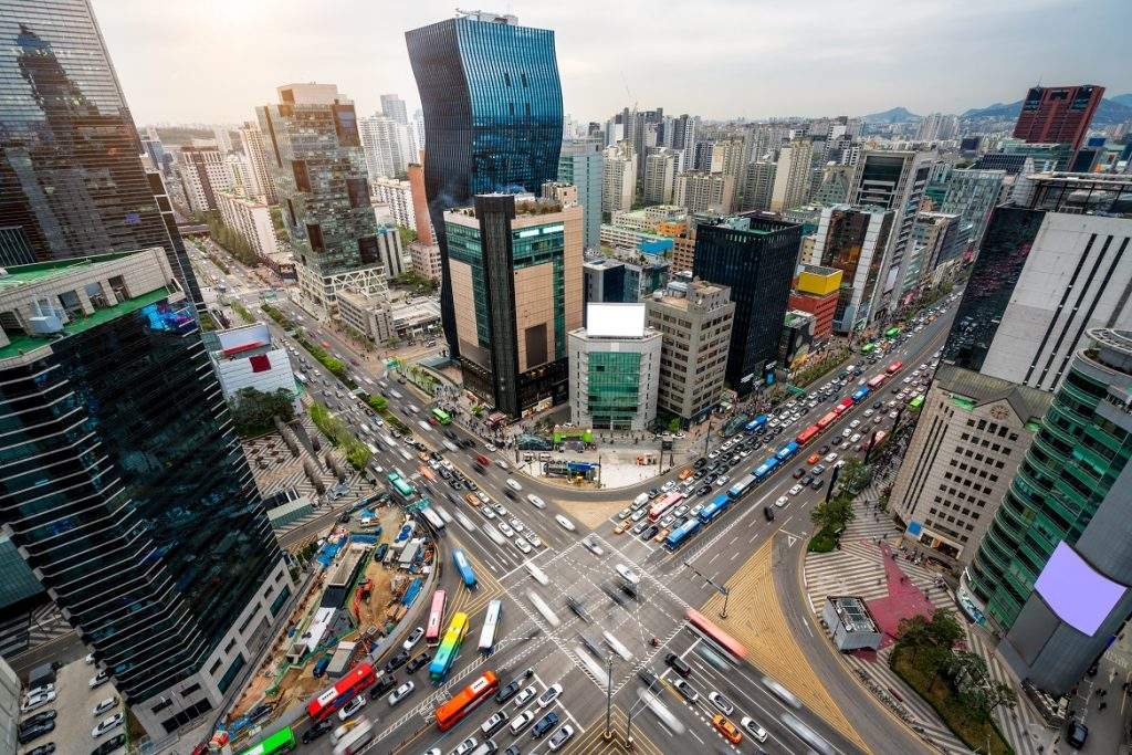 High influx of people and cars to Gangnam area most likely causes a heavy traffic jam in Seoul, South Korea. Taxi in Seoul can be a difficult process for those who plan for plastci surgery.